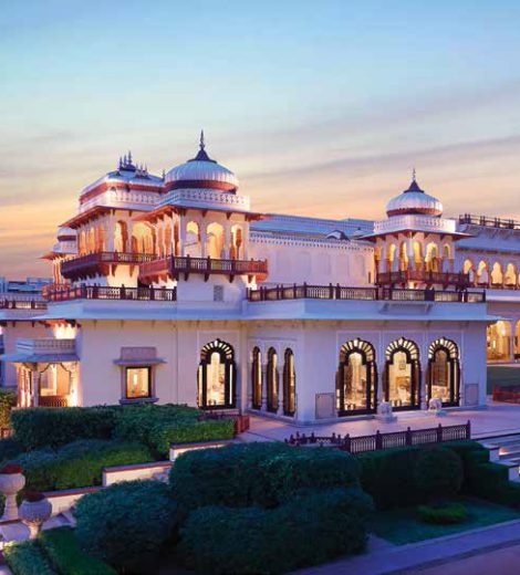 Jaipur of Royal Palaces and dessert landscapes